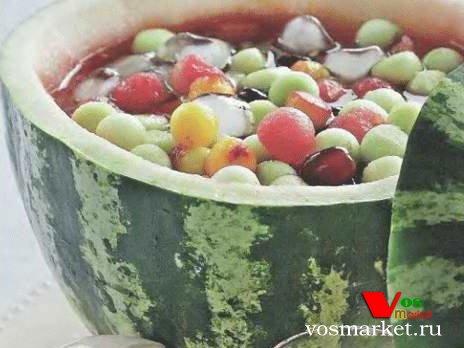 Фото готового блюда: Крюшон в арбузе