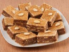 Главное фото рецепта Вафельный торт с медом