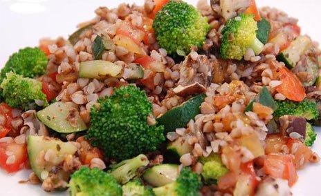 Фото готового блюда: Салат с гречкой и брокколи
