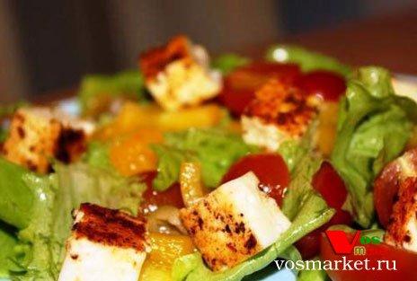 Фото готового блюда: Салат с жареным сулугуни