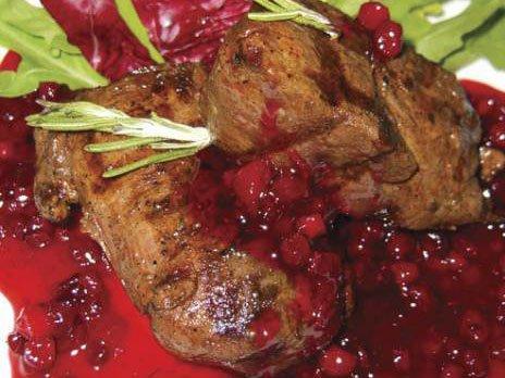 Фото готового блюда: Оленина под соусом