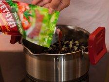 Фото к пятому шагу приуготовлению рецепта Фрикадельки по-мексикански