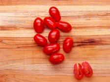 Фото к четвертому шагу приуготовлению рецепта Салат с авокадо и креветками