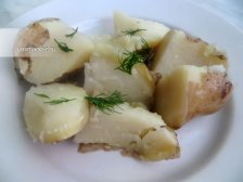 Фото к шестому шагу приуготовлению рецепта Отварной картофель в мундире