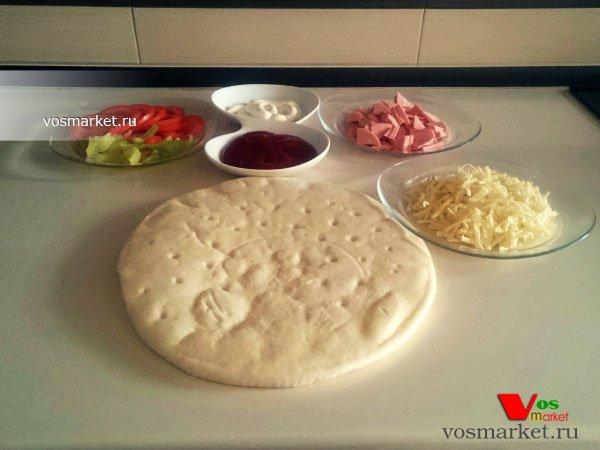 рецепты пиццы в духовке с грибами и колбасой