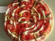 Фото к пятому шагу приуготовлению рецепта Пицца на готовом корже
