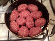 Фото к пятому шагу приуготовлению рецепта Мясные котлеты с начинкой
