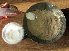 Фото к второму шагу приуготовлению рецепта Лаваш домашний на сковородке