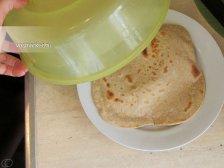 Фото к шестнадцатому шагу приуготовлению рецепта Лаваш домашний на сковородке