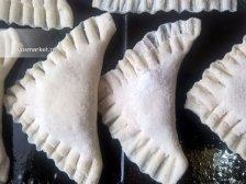 Фото к третьему шагу приуготовлению рецепта Печенье с шоколадной начинкой