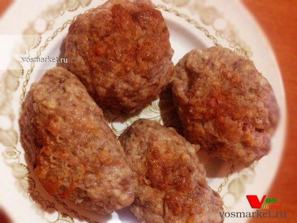 Фото готового блюда: Мясные котлеты с начинкой