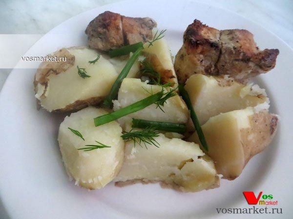 Фото готового блюда: Отварной картофель в мундире