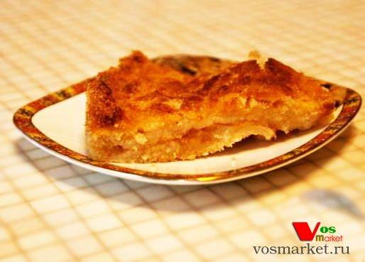 Фото готового блюда: Пирог яблочный с манкой