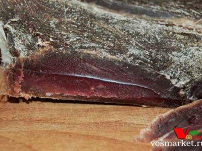 Кусок вяленой баранины