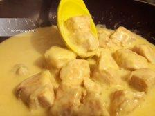 Фото к седмому шагу приуготовлению рецепта Курица в сливочном соусе