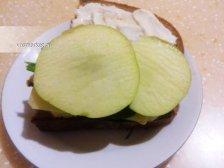Фото к седмому шагу приуготовлению рецепта Горячие бутерброды