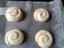 Фото к пятнадцатому шагу приуготовлению рецепта Испанские булочки в духовке