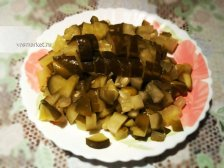 Фото приготовления Салат с соленых огурцов