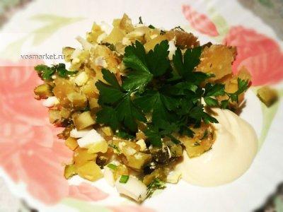 Главное фото рецепта Салат с соленых огурцов