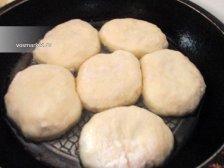 Фото к тринадцатому шагу приуготовлению рецепта Домашние беляши