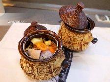 Фото к седмому шагу приуготовлению рецепта Свинина в горшочках в духовке