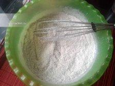 Фото к первому шагу приуготовлению рецепта Тертый пирог с вареньем