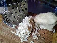 Фото к десятому шагу приуготовлению рецепта Тертый пирог с вареньем