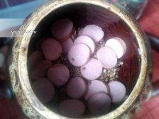 Фото к четвертому шагу приуготовлению рецепта Гречка в горшочке с сосисками