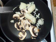 Фото к второму шагу приуготовлению рецепта Паштет из куриной печени