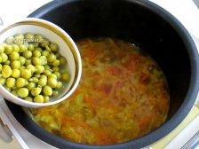 Фото к шестому шагу приуготовлению рецепта Суп с плавленным сыром