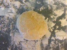 Фото к шестому шагу приуготовлению рецепта Сочни с творогом