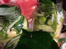 Фото к шестому шагу приуготовлению рецепта Соленые огурцы на зиму