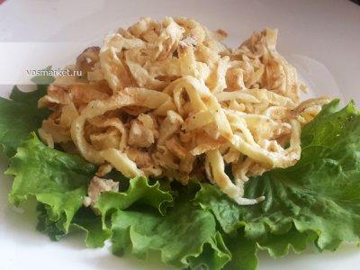Главное фото рецепта Салат с яичными блинчиками