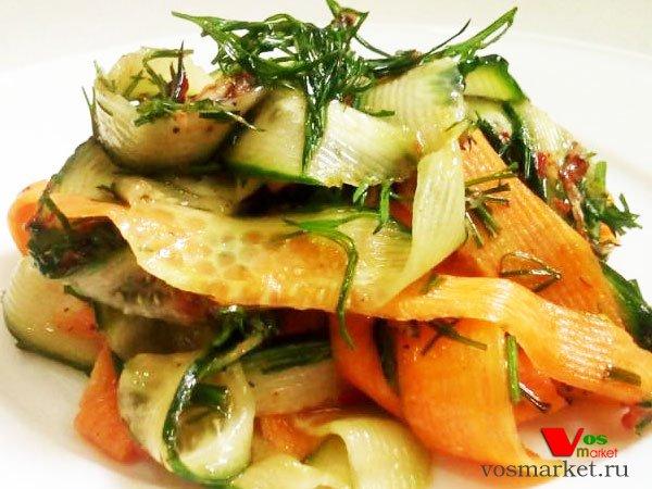 Главное фото рецепта Закуска из огурца и моркови