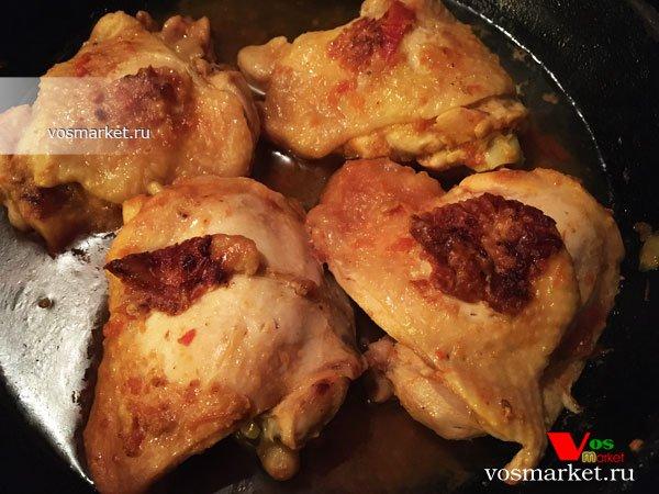 Фото Куриные бедра жареные с аджикой шаг 3