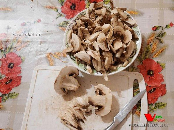 Фото Суп-пюре грибной со сливками шаг 2